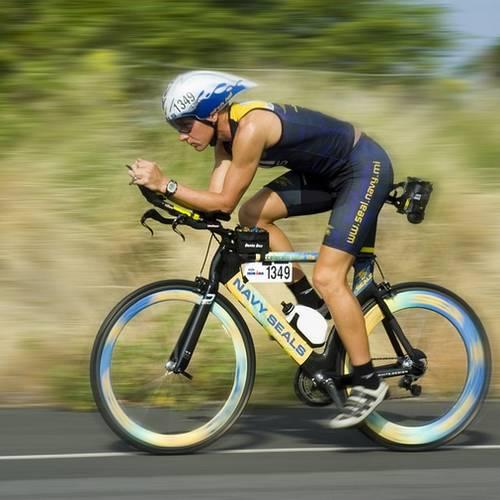 Champion de course à vélo, Protéines Bio, boisson énergisante, spiruline.... Chez DP-ELittis
